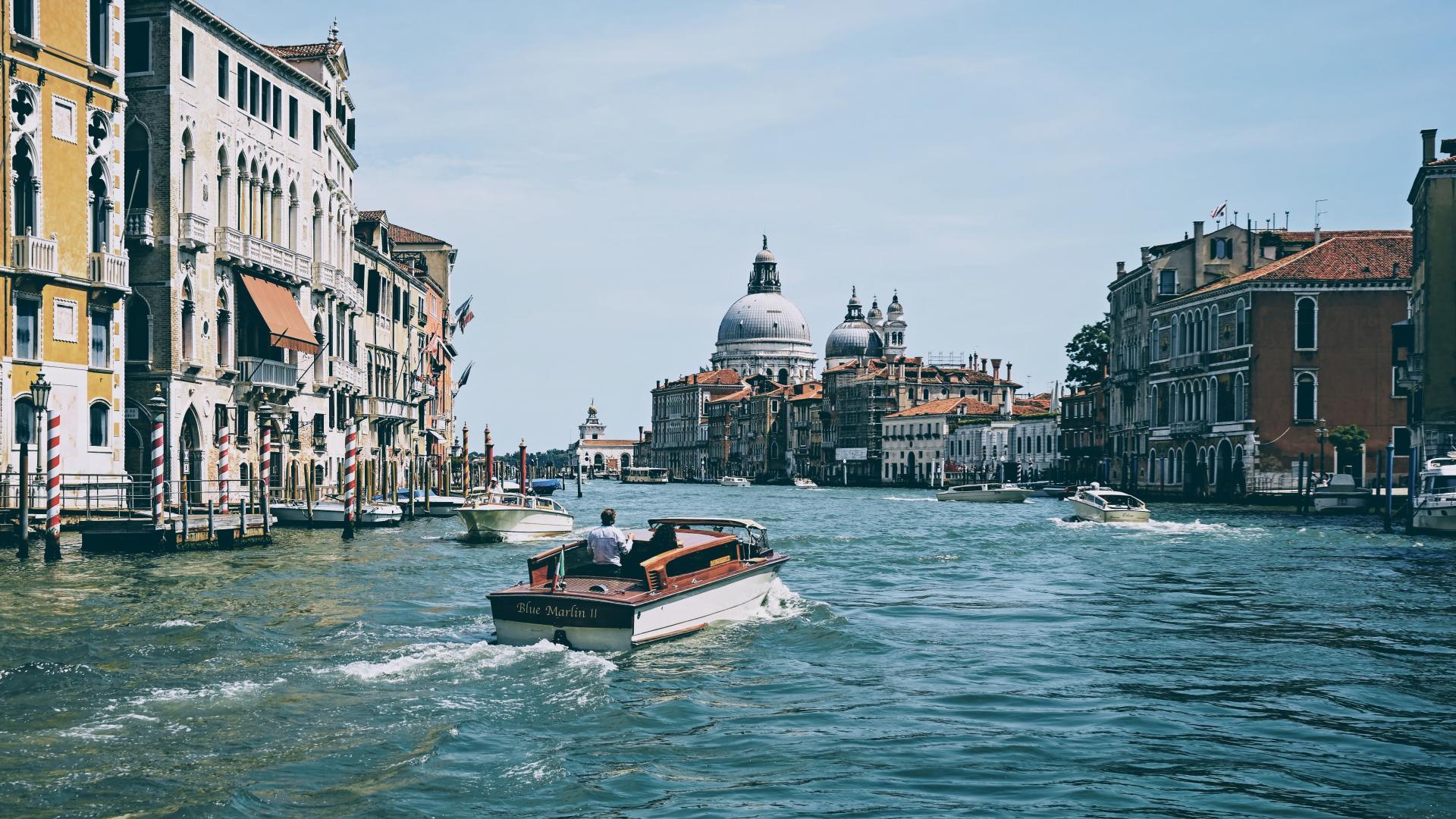 Фото город Венеция, Италия (742137422)