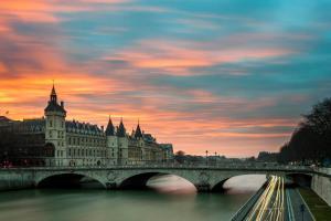 Фото город Париж, Франция (604789435)